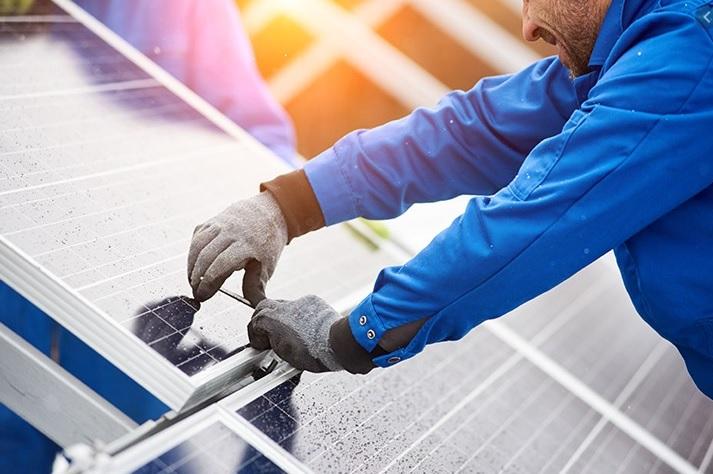 montaż fotowoltaiki i paneli słonecznych